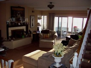 Hermosa Beach, California. Spacious 4-bedroom, 4-bathroom oceanfront beach house on the Strand. - Hermosa Beach, California, United States