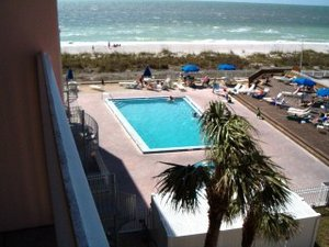 Indian Rocks Beach, Florida. Beachfront Luxury Condo Gulf of Mexico, Spiral Steps to Private Beach, Heated Pool, Tennis - Indian Rocks Beach, Florida, United States