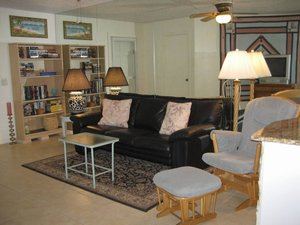 Fort Pierce-Hutchinson Island, Florida. Delightful 2 BR Beach House - 1 block to the Ocean! - Fort Pierce - Hutchinson Island, Florida, United States