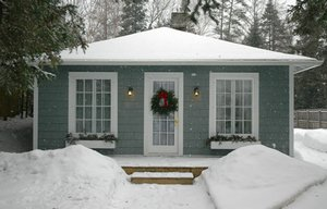 GO-Cottage a spacious 2-bedroom, 1-bathroom Bungalow Cottage with Wi-Fi in Lake Placid, NY that sleeps up to 6 people. - Lake Placid, New York, United States