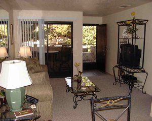 Palm Springs, California. 1-bedroom, 1-bathroom fully equipped condo with pool, patio and mountain views. - Palm Springs, California, United States