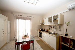 Bugibba, Malta. Modern Apartment Close to the Sea Front - Bugibba, Non US or Canada, Malta