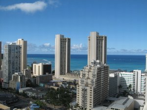 Honolulu, Hawaii at the center of Waikiki, steps from the beach. Sunrise Condo at the Fairway Villa is a Dream Come True - Honolulu, Hawaii, United States