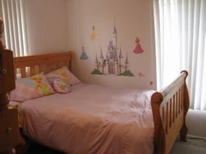 Only 2 blocks to Disneyland! 3-bedroom, 2-bathroom home with a private pool in Anaheim, California. - Anaheim, California, United States