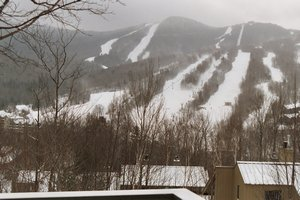 Lincoln, New Hampshire. Scenic Loon Mountain Vacation Home sleeps 12 - Lincoln, New Hampshire, United States