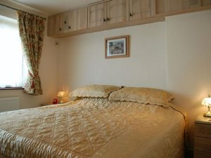 Maple Apartment at Magnolia Cottage Apartments in the Cotswold village of Bourton-on-the-Water, England - Gloucestershire, Non US or Canada, England