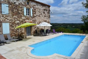 La Grange, a fabulous 3-bedroom, 3-bathroom farmhouse, with swimming pool, that sleeps 8-10 people located in Monesties, France. - Monesties , Non US or Canada, France