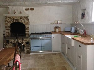 La Bastoulie, a 3-bedroom, traditional stone farmhouse that sleeps 7 located in Cordes-sur-Ciel, Tarn, Occitanie, France. - Cordes-sur-Ciel, Non US or Canada, France