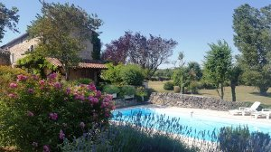Le Muret, a restored 3-bedroom, 3-bathroom farmhouse with a private swimming pool in Saint-Marcel-Campes, France. - Saint-Marcel-Campes, Non US or Canada, France