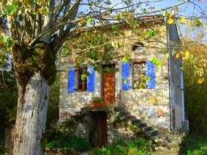 El Palomar (The Dovecote) is a romantic 1-bedroom, 1.25-bathroom cottage in Les Cabannes, France 4 minutes from Cordes-sur-Ciel. - Les Cabannes, Non US or Canada, France