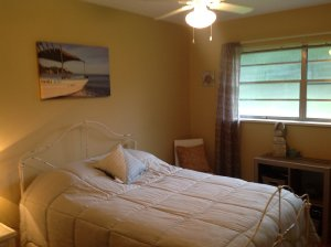 'A Shore Thing' a 3-BR, 1.5-BA cottage vacation rental on the Gulf Coast in Long Beach, Mississippi near Gulfport and Biloxi - Long Beach, Mississippi, United States