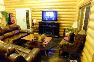 The One Chalet, a 3-bedroom, 3-bathroom all seasons chalet that sleeps 14 in Alberta, Canada. - Blairmore, Alberta, Canada