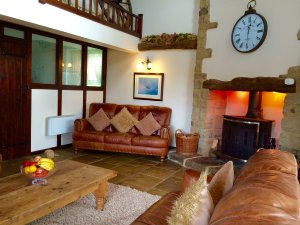The Barn is one of two self-catering cottages at Holestone Moor Barns  and has 5 bedrooms, 5 bathrooms and sleeps 11 plus a baby - Derbyshire, Non US or Canada, England