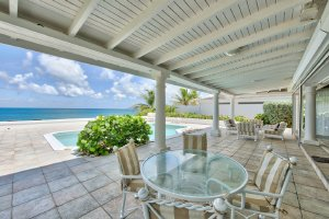 St. Martin, French side. La Perla is a beautiful beachfront villa with 1-BR, 1-BA and a private pool. - Terres Basses, Non US or Canada, Saint Martin